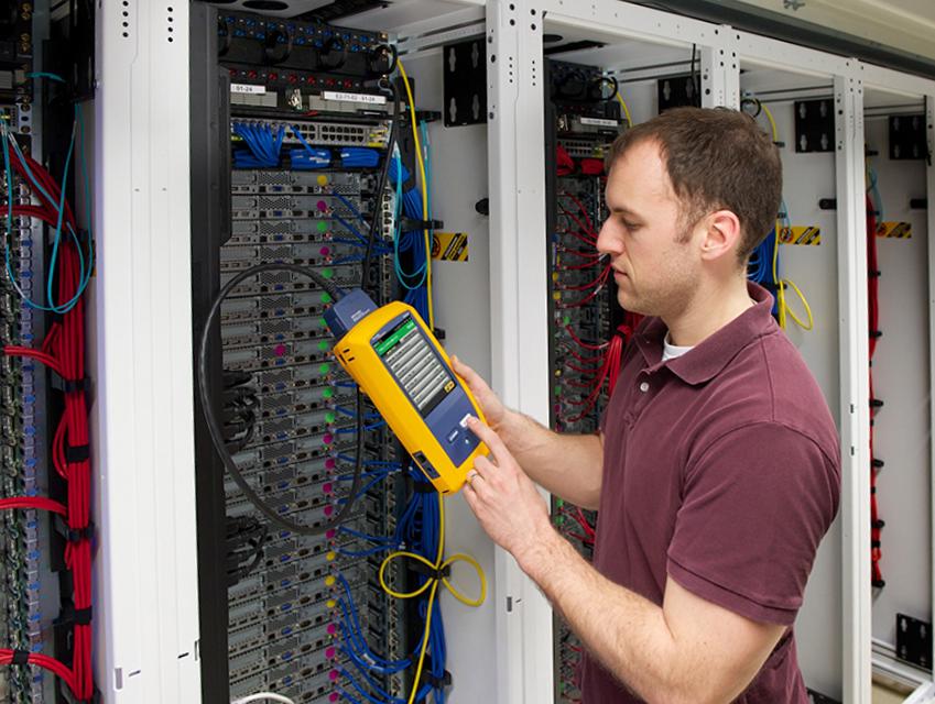 Testery do certyfikacji okablowania DSX CableAnalyzerTM